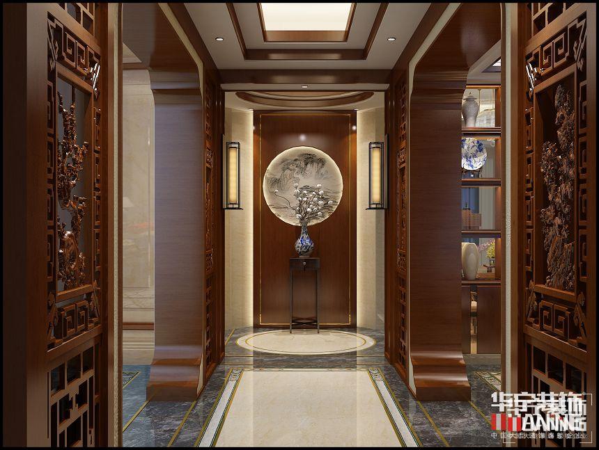 中国传统的室内设计融合了庄重与优雅双重气质。中式风格更多地利用了后现代手法,把传统的结构形式通过重新设计组合以另一种民族特色的标志符号出现。空间上讲究层次,多用隔窗、屏风来分割,用实木做出结实的框架,以固定支架,中间用棂子雕花,做成古朴的图案。门窗对确定中式风格很重要,因中式门窗一般均是用棂子做成方格或其它中式的传统图案,用实木雕刻成各式题材造型,打磨光滑,富有立体感。